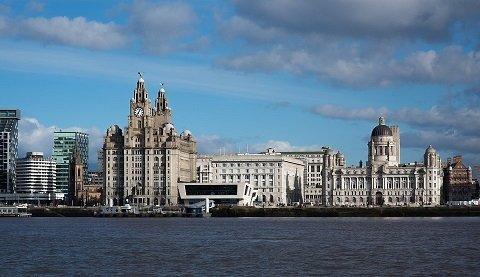 Een scooter huren in Liverpool: tips en leuke scooterroutes