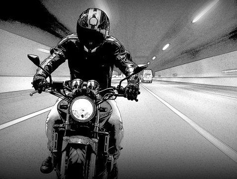 helm verschuift tijdens het rijden
