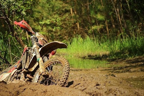 Het smeren van je motorketting