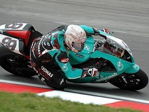 Hoe haal ik mijn motor racelicentie?